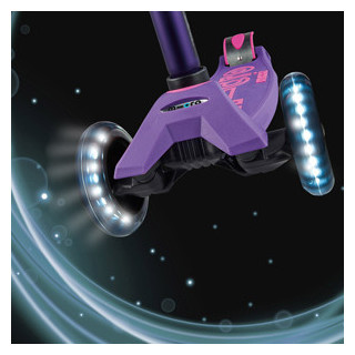 Самокаты Maxi Micro Deluxe LED со светящимися колесами для детей от 4 до 12 лет купить не дорого  на сайте официального дилера